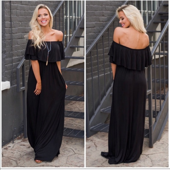 Dresses & Skirts - Black off the shoulder maxi dress